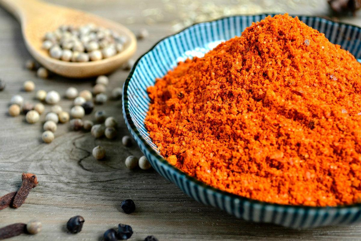 ground spices and herbs in ayurveda